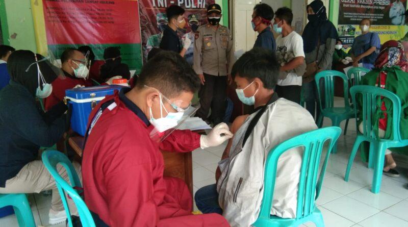 Polres Nganjuk Gelar Gerai Vaksin Presisi di Kelurahan Begadung, Diikuti 423 Warga