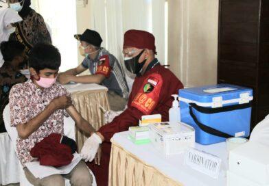 Warga Antusias Ikuti Serbuan Vaksin Merdeka Semeru 2021