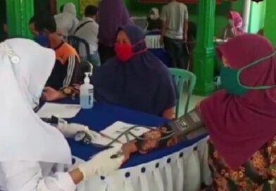 Warga Kelurahan Ringinanom Antusias Jalani Vaksin Merdeka Semeru 2021