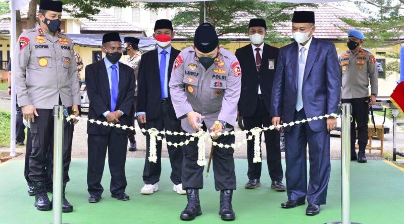 Kapolri Resmikan Gedung Baru Ponpes Assalam dan Tinjau Vaksinasi se-Jawa Barat